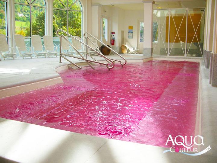 Colorez l 39 eau de votre piscine spa ou fontaine for Aquacouleur piscine