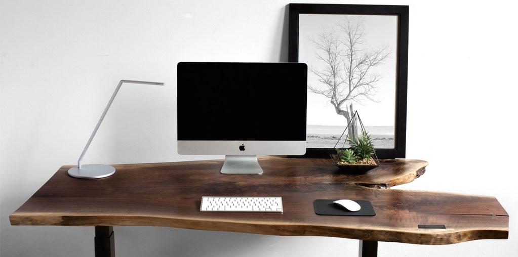 Travaillez debout et assis gr ce ces bureaux ajustables for Bureau debout