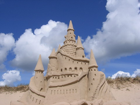 http://www.francoischarron.com/datascontent/chateau-de-sable-gagnant2005.jpg