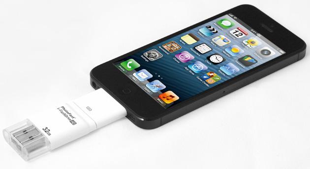 une cl usb pour transf rer du contenu entre un t l phone. Black Bedroom Furniture Sets. Home Design Ideas