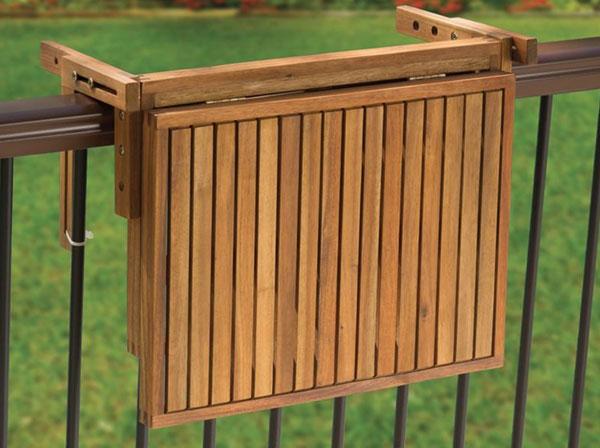 la mini table pliante parfaite pour les petits balcons. Black Bedroom Furniture Sets. Home Design Ideas