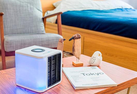 un climatiseur portatif pour les petits espaces. Black Bedroom Furniture Sets. Home Design Ideas