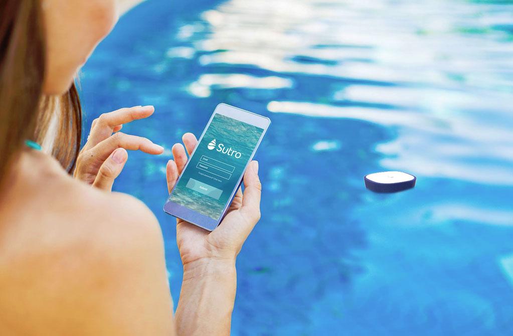 laissez ce dispositif intelligent analyser l 39 eau de votre piscine. Black Bedroom Furniture Sets. Home Design Ideas