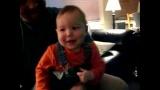 Bébé qui aime la Wii