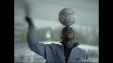 Adresse avec un ballon de soccer